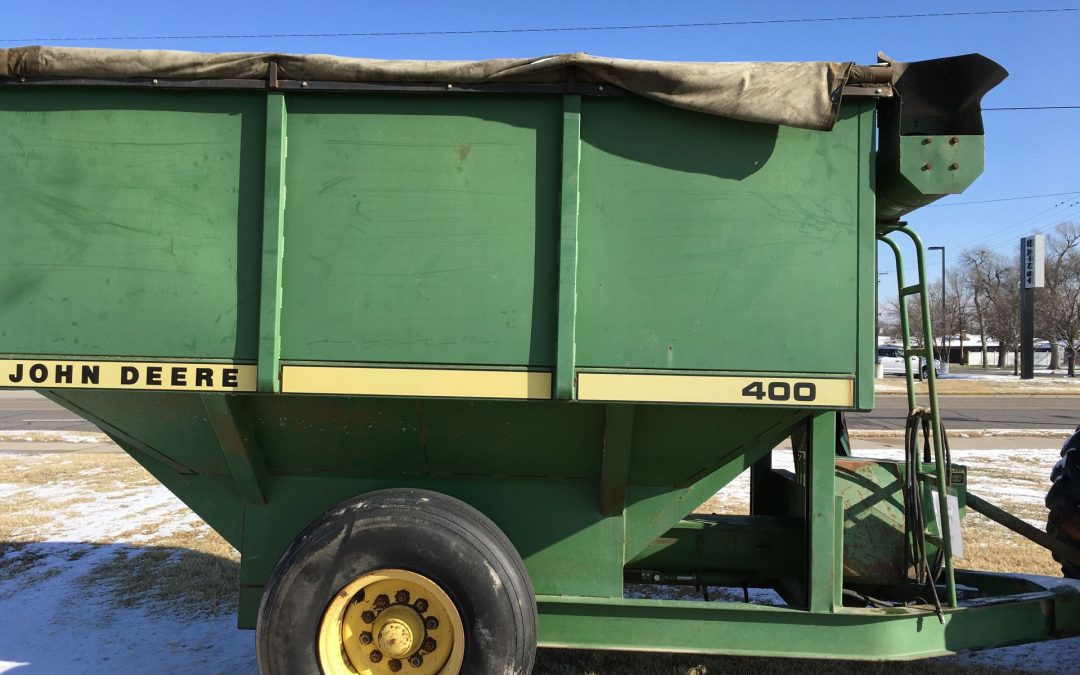 John Deere 400 Grain Trailer