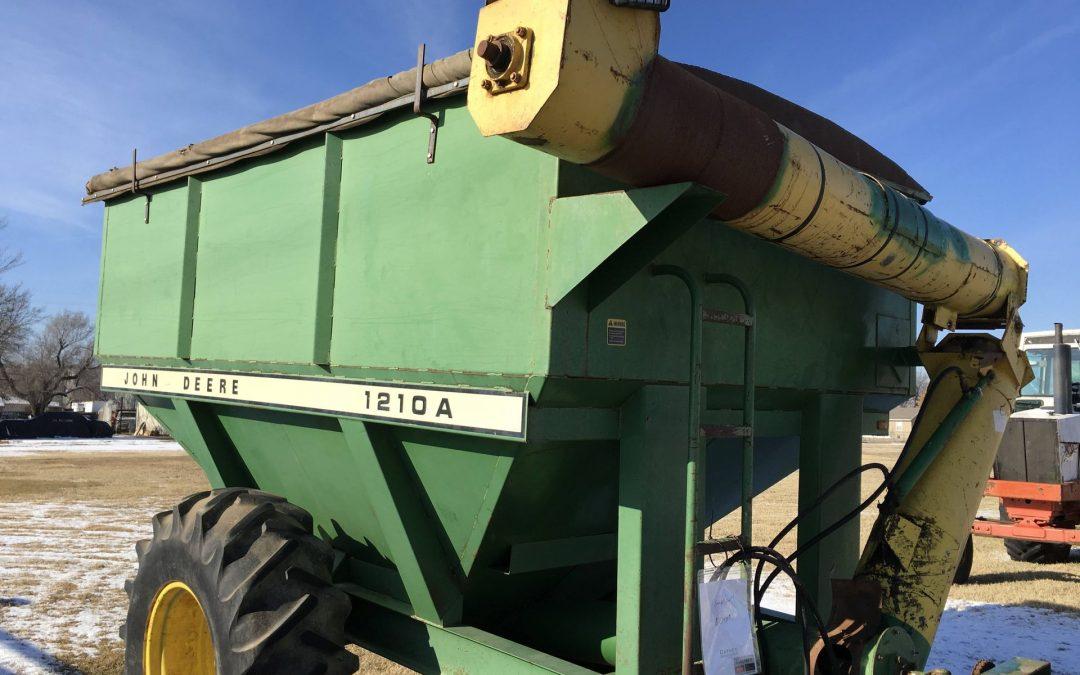 John Deere 1210A Grain Trailer